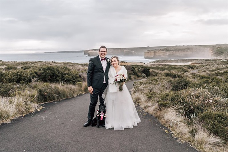 Couple on wedding day on Great Ocean Road